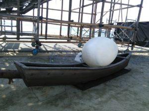 美しいフォルムのサバニ船