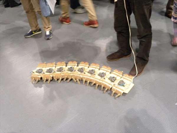 メイカーズフェア2012にてムカデロボ?