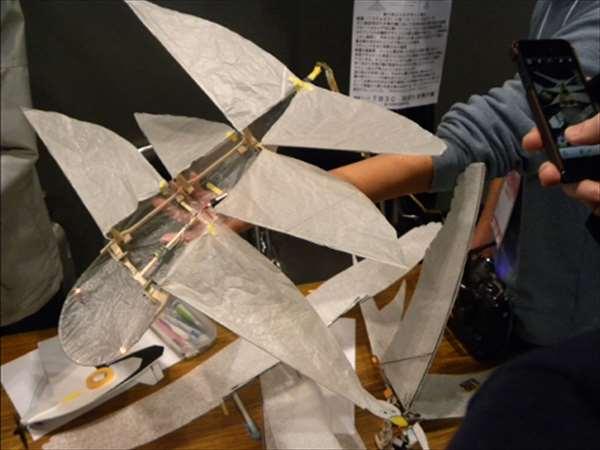メイカーズフェア2012にて羽ばたく飛行機