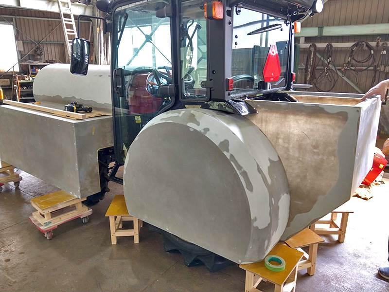 トラクターを機関車に改造中2