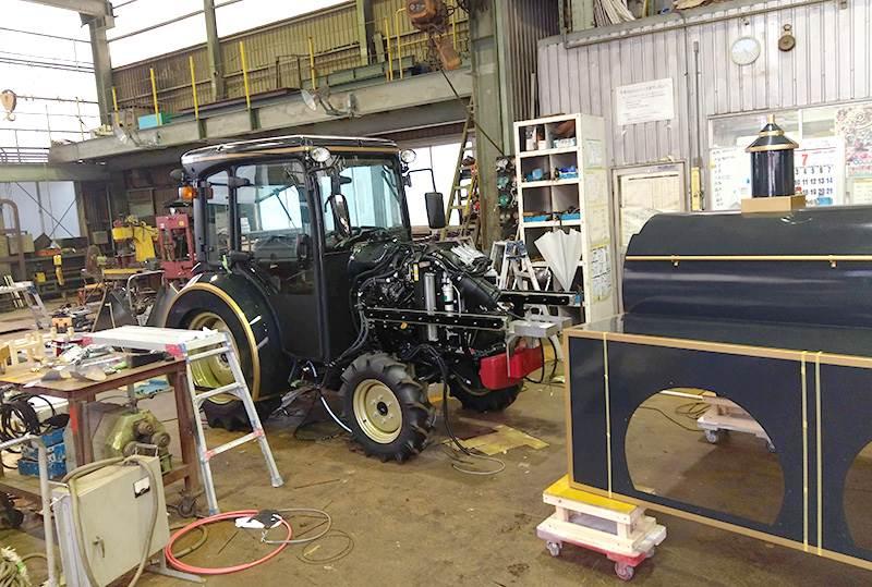 トラクターを機関車に改造中3