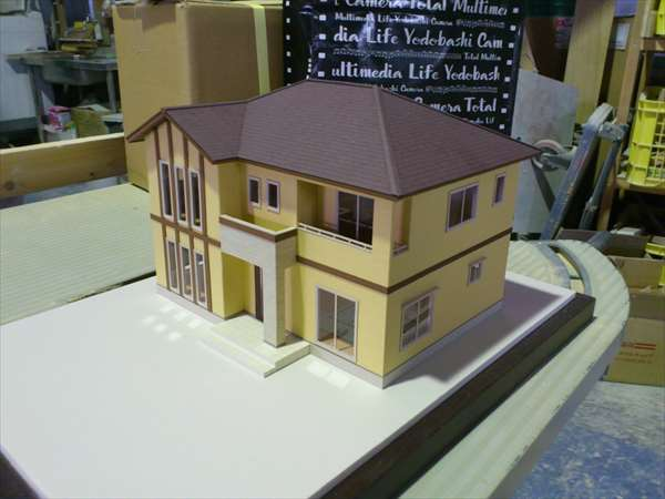 製作中3住宅模型30分の1