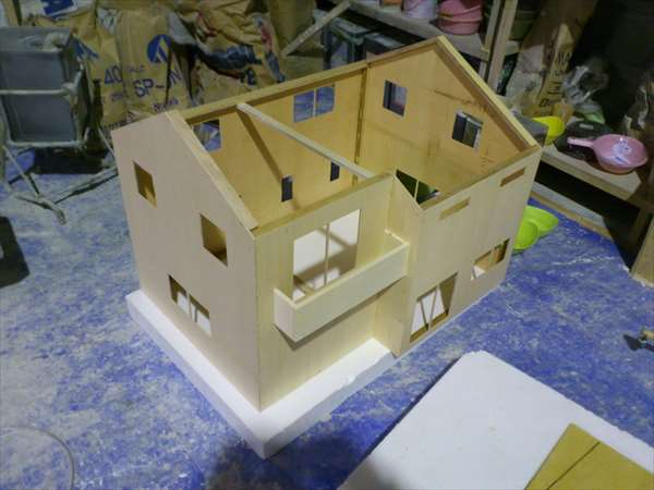 製作中1住宅模型30分の1